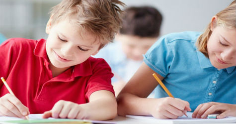 tizenévesek tesztet írnak